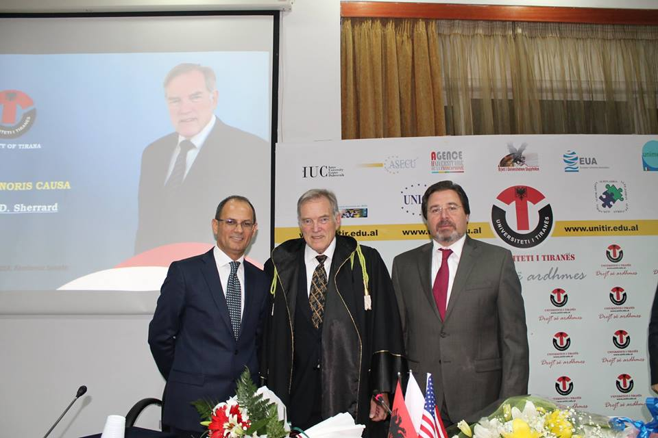Honoris Causa Roger D Sherrard