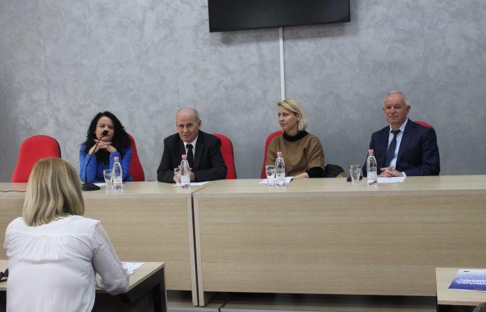 """Takimi në kuadër të Projektit Erasmus + Jean Monnet për prezantimin e modulit """"Shoqëria shqiptare drejt integrimit të plotë në familjen evropiane"""""""