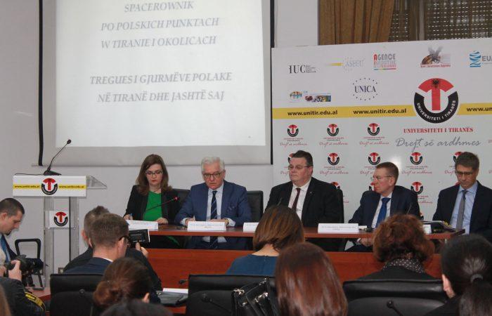Takim i hapur me studentët e Universitetit të Tiranës