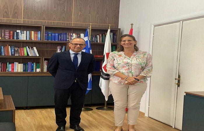 Rektori i Universitetit të Tiranës, Prof. Dr. Artan Hoxha, priti në një takim Sh. S. Zj Sophia Philippidou, Ambasadore e Greqisë në Tiranë