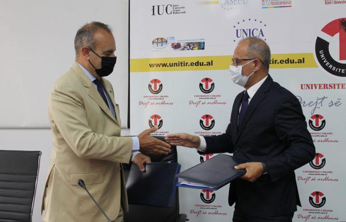 Sot më datë 21.06.2021 në Rektoratin e Universitetit të Tiranës u nënshkrua Memorandumi i Mirëkuptimit midis Rektorit të Universitetit të Tiranës, Prof. Dr. Artan Hoxha dheAmbasadorit Sh.T. Z. Vincenzo Del Monaco, Kryetar i Prezencës në Shqipëri i Organizatës për Siguri dhe Bashkëpunim në Evropë (OSBE).