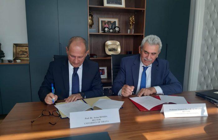 Në kuadër të zgjerimit të rrethit të partnerëve ndërkombëtarë, Universiteti i Tiranës i përfaqësuar nga Rektori Prof. Dr. Artan Hoxha dhe Universiteti i Janinës i përfaqësuar nga Rektori Prof. Triantafyllos Almpanis nënshkruan marrëveshjen ndërinstitucionale të bashkëpunimit.